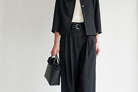ブラックマーガレットスーツ